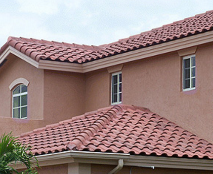 Here is a tile roof with a properly aligned ridgeline. For a Phoenix roof remodeling company you can hire with confidence, contact out roofers today!